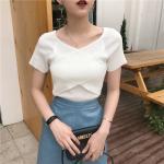 เสื้อไหมพรมผสม สีขาว แต่งผ้าไขว้ด้านหน้าสวยหวานสไตล์เกาหลี