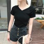 เสื้อไหมพรมผสม สีดำ แต่งผ้าไขว้ด้านหน้าสวยหวานสไตล์เกาหลี